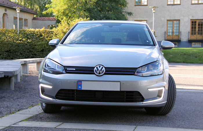 Notice the daylight running lights on the e-Golf.