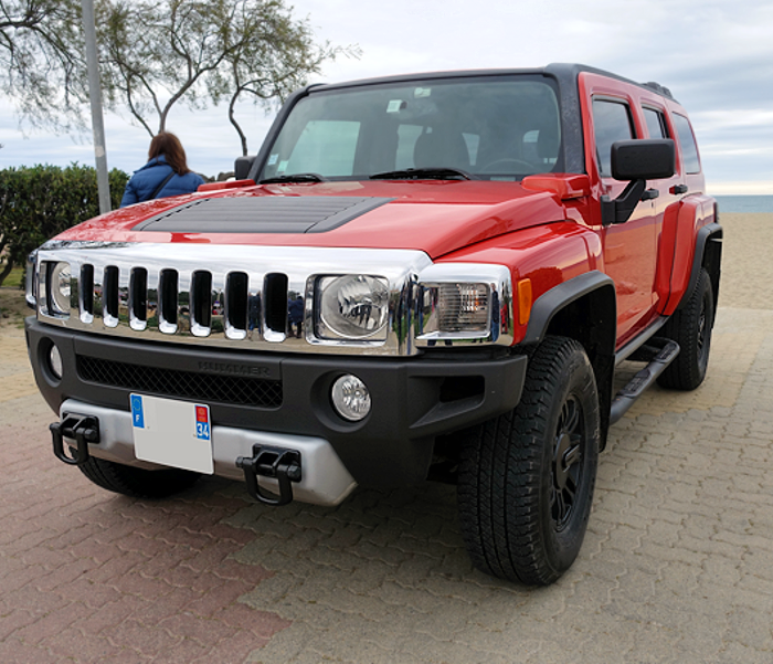 Hummer H3, also known as the Ladies' Hummer.
