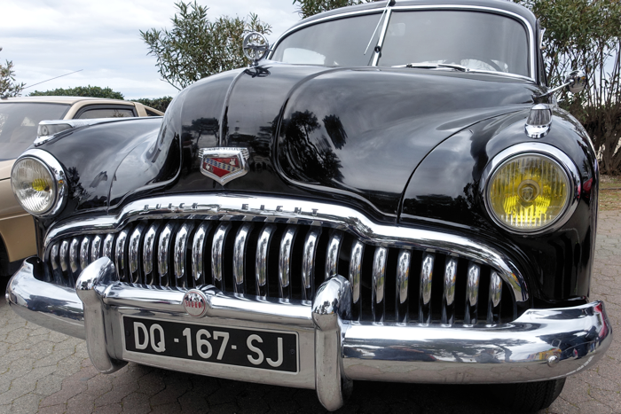 The characteristic teeth of a 50's Buick.